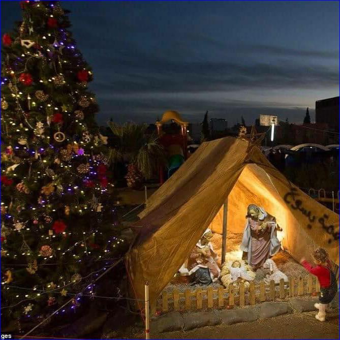 Makeshift nativity scene in Assyrian refugee camp in Ankawa, Iraq.